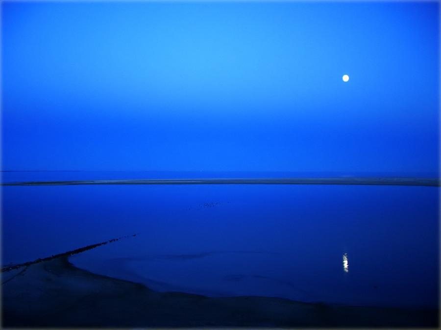 Blaue Stille