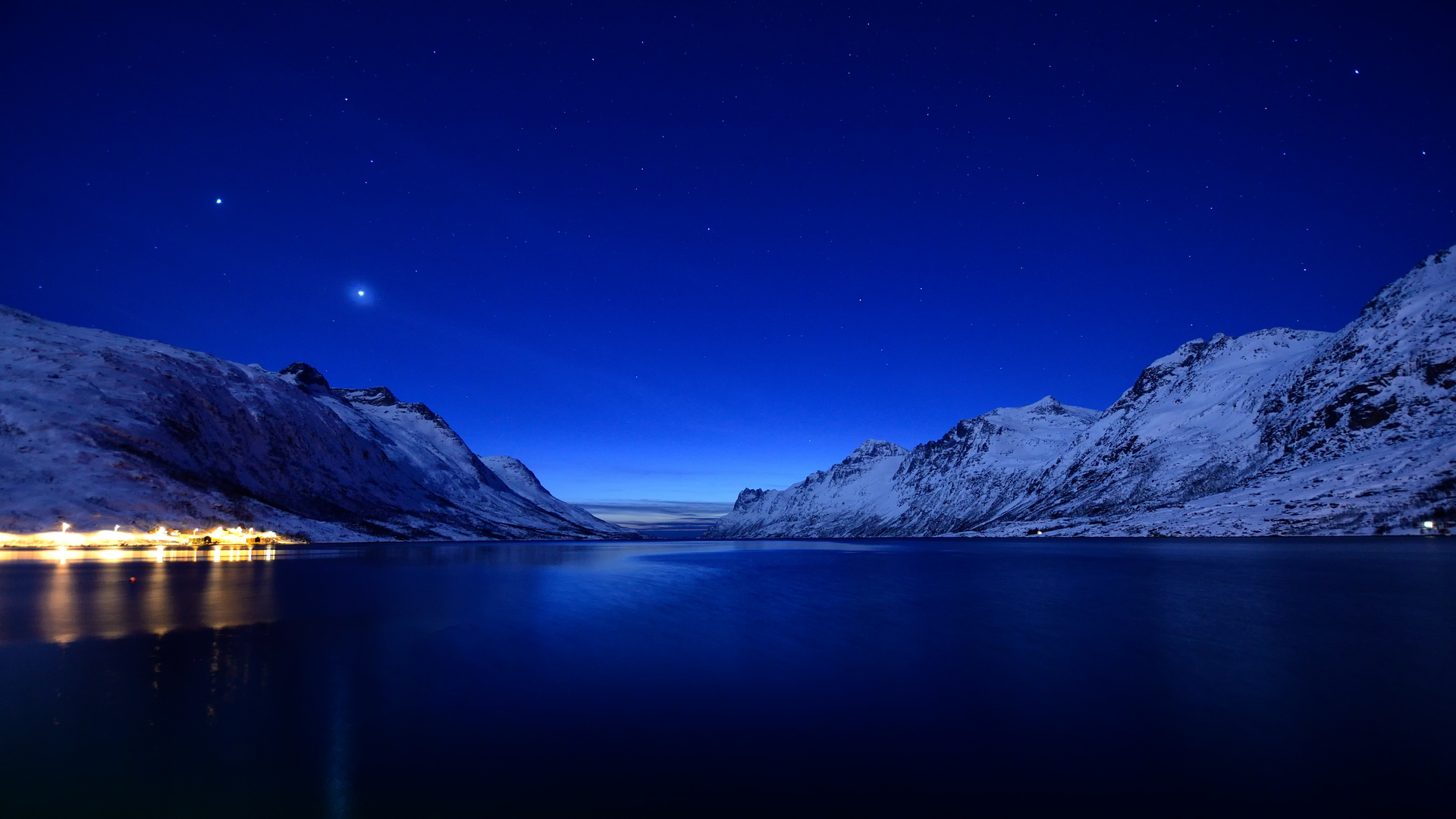 Blaue Stunde am Ersfjord - nahe Tromsö März 2012