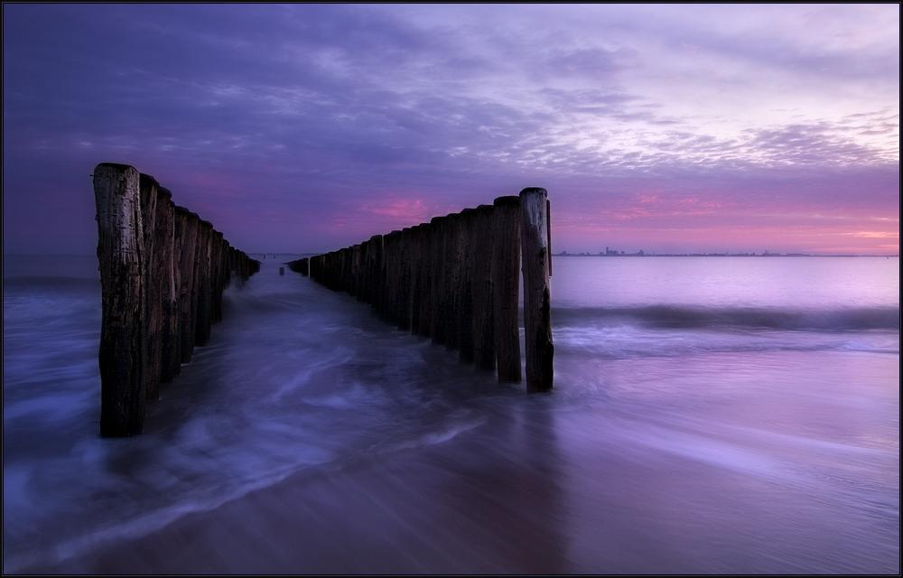 Blaue Stunde am frühen Morgen.
