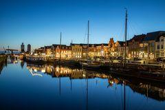 Blaue Stunde am Hafen - 2