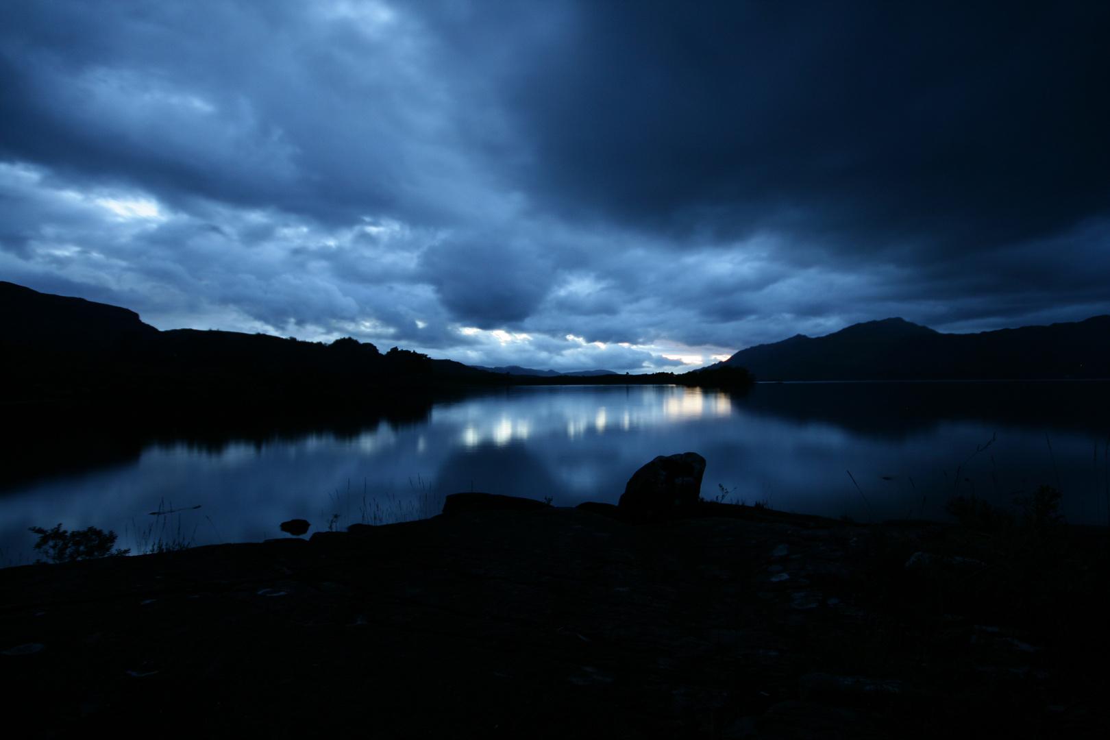 Blaue Stunde am Loch Maree