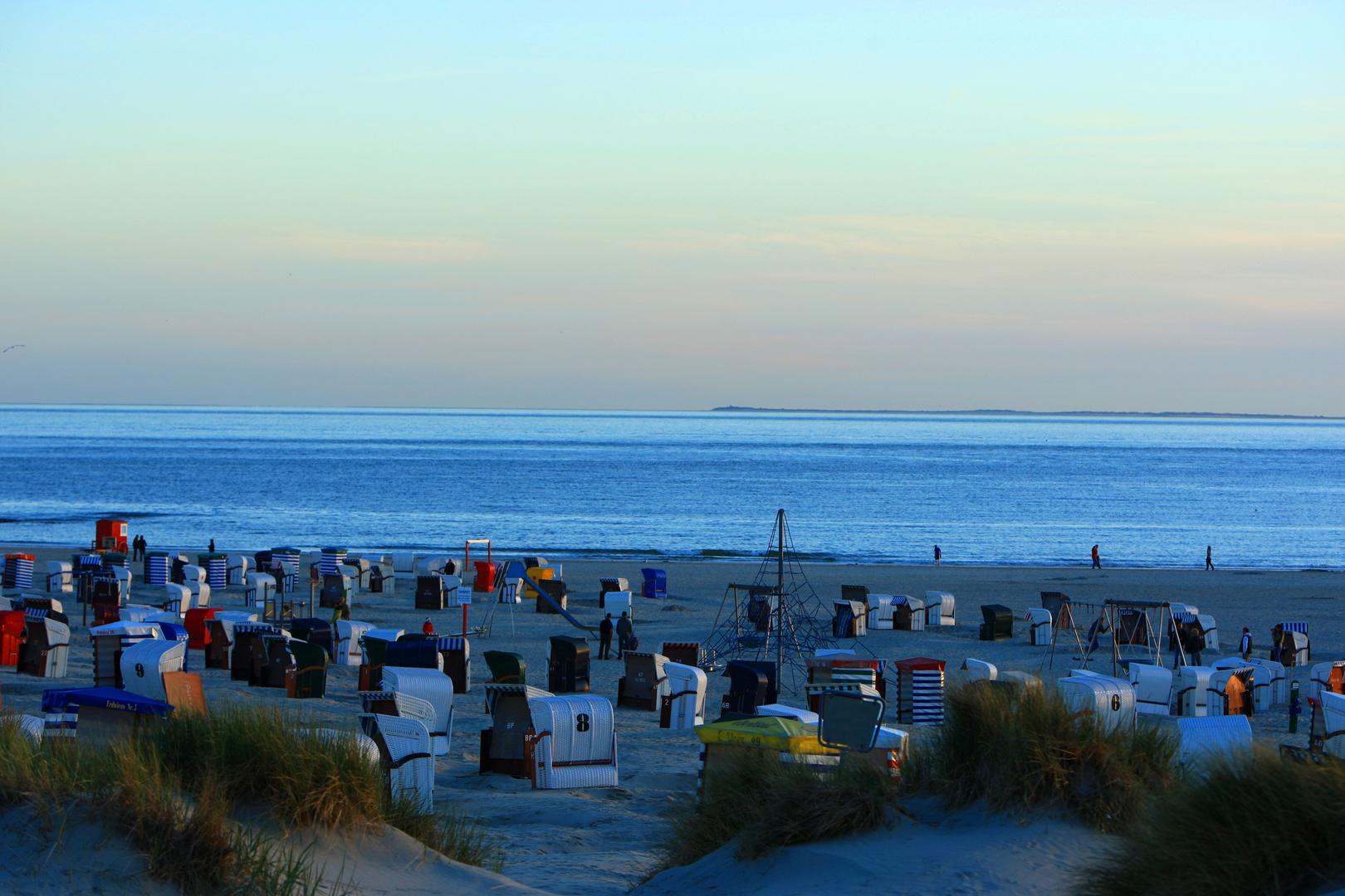 Blaue Stunde am Strand von Borkum