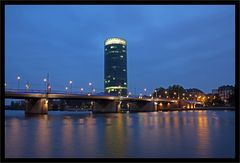 Blaue Stunde am Westhafen Frankfurt/M