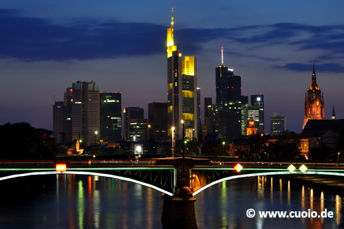 Blaue Stunde - Frankfurter Skyline