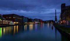 Blaue Stunde im Hafen