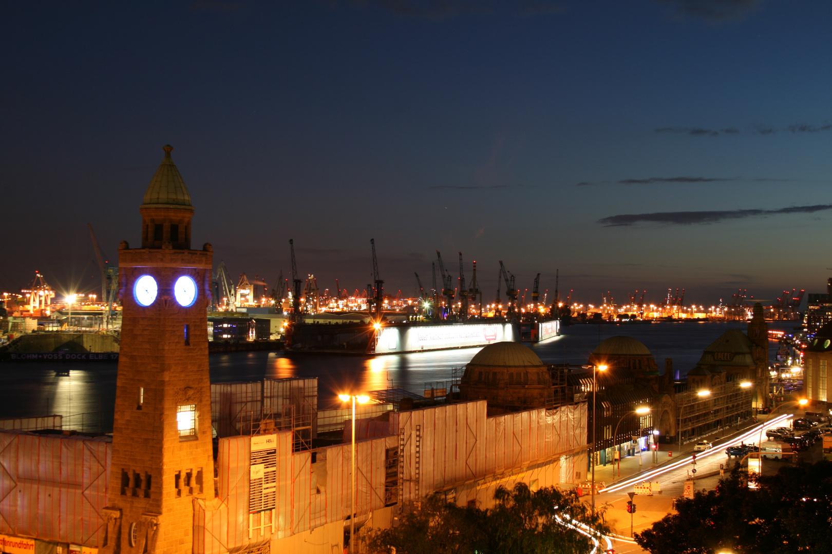 Blaue Stunde im Hamburger Hafen II