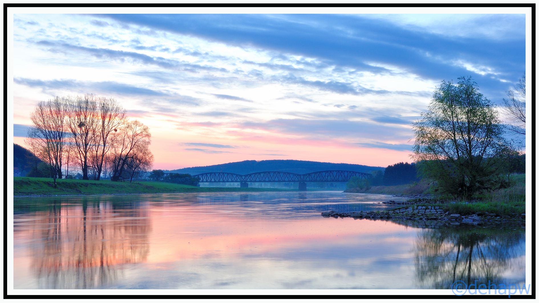 blaue Stunde morgens an der Weser