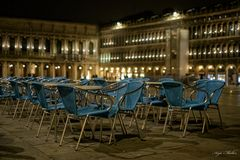Blaue (Stunde) Stühle in San Marco