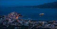 Blaue Stunde über Calvi