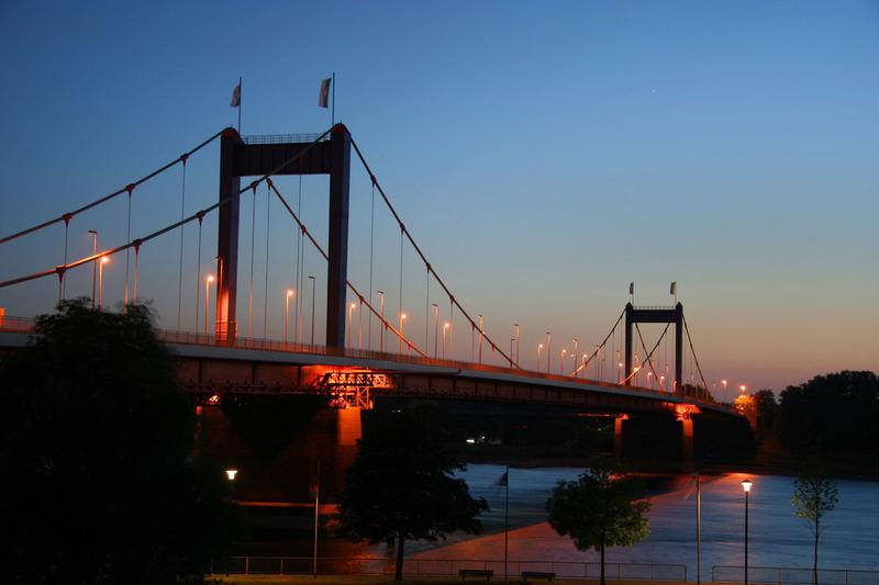Blaue Stunde über Duisburg