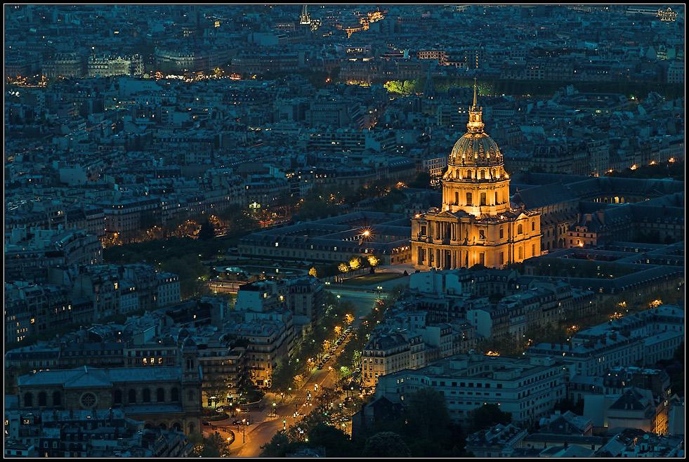 blaue Stunde über Paris