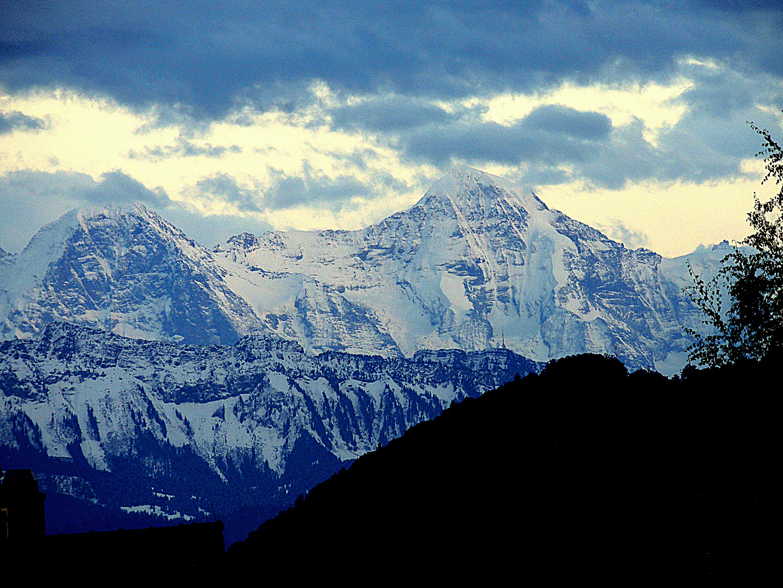 Blauen Stunde in den Bergen