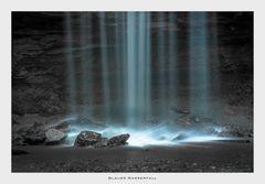 Blauer Wasserfall