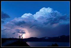 Blaues Gewitter über dem Attersee