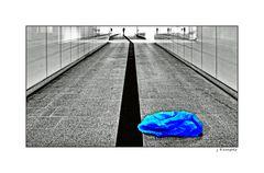 - blaues Plastik -