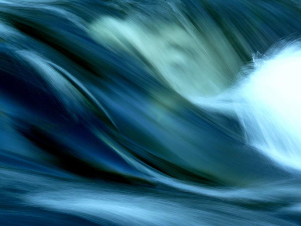 Blaues Wasserspiel