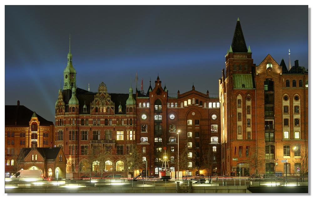 Blaulicht über der Speicherstadt
