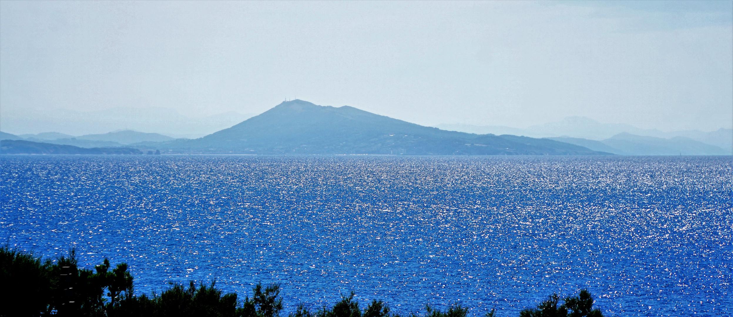 Bleu de Biarritz.....