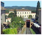 Blick auf Bahnhof und Tunnel