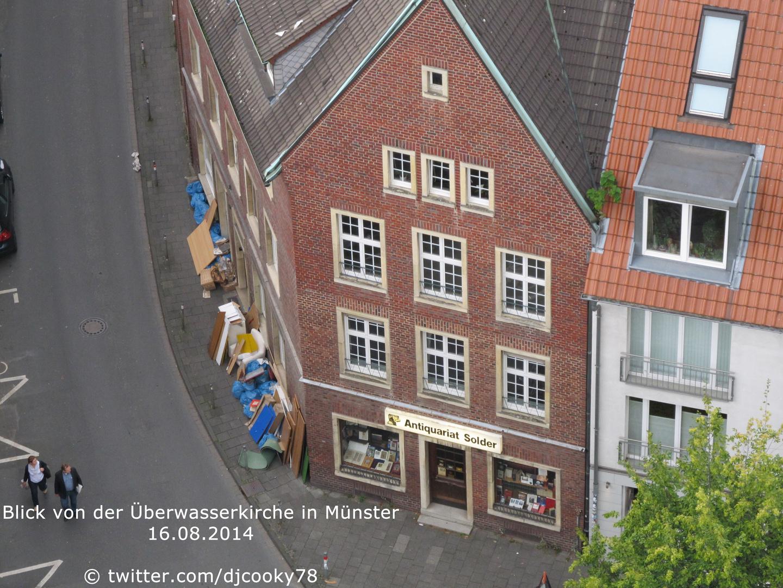 Blick auf das Antiquariat Solder (Wilsberg Drehort) von der Überwasserkirche in Münster