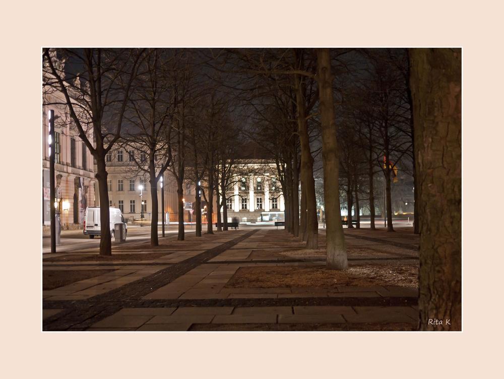 Blick auf das Operncafe Unter den Linden