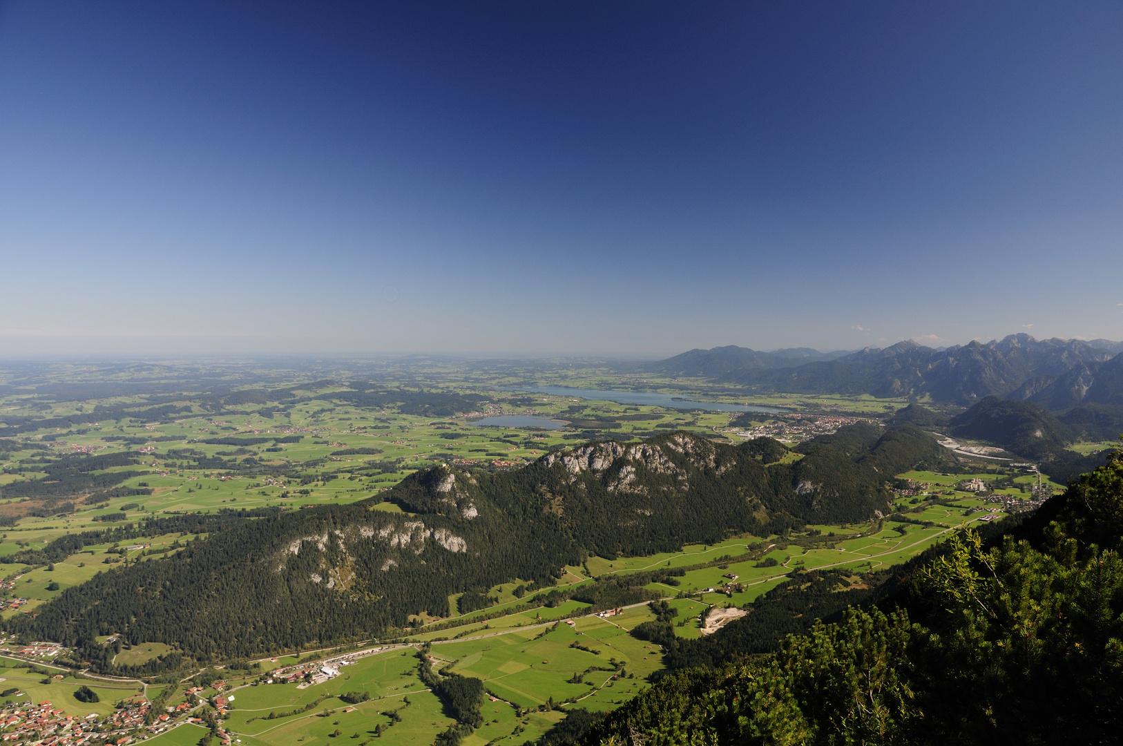 Blick auf das Vilstal Forggensee und Hopfensee