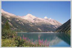 Blick auf den Schlegeisspeicher - Wandern im Zillertal