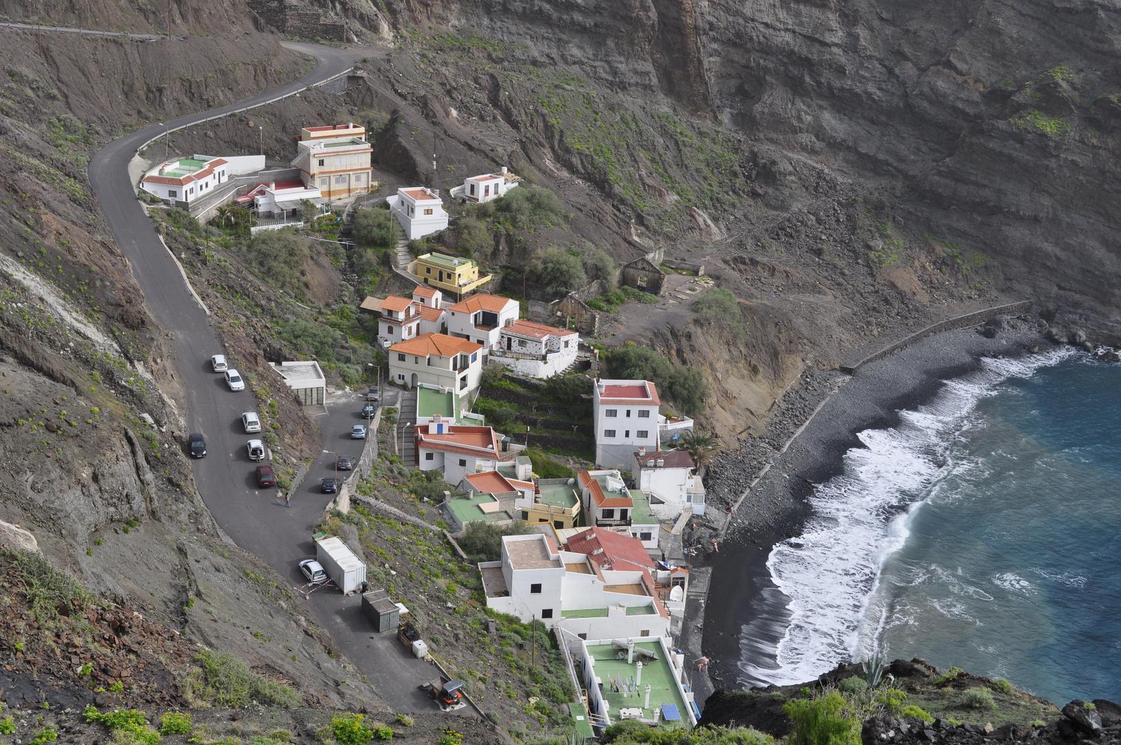 Blick auf den Strand von Alojera - da unten gibts den leckeren Medregal