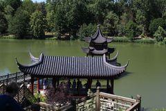 Blick auf den Tempel des duftenden Wassers
