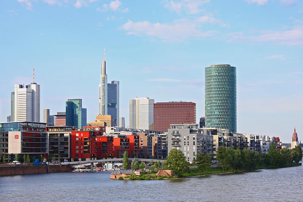 Blick auf den Westhafen / FFM