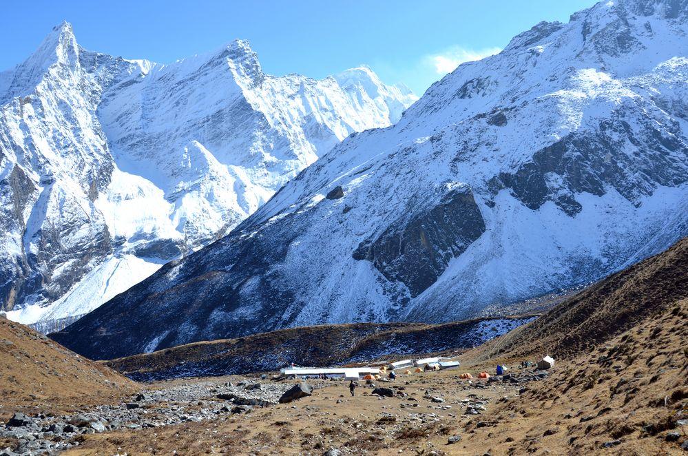 Blick auf Dharamsala (4470 m) im Manaslu Gebiet