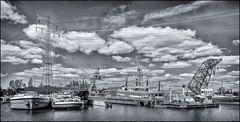 Blick auf die JÖHNK WERFT im Harburger Binnenhafen