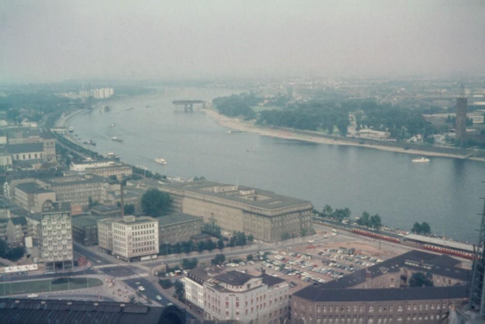 Blick auf die KBE und der Zoobrücke