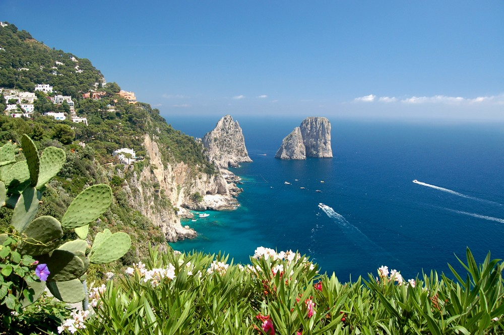 Blick auf die Klippen von Capri