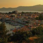 Blick auf die Stadt Pythagorion auf der griechischen Insel Samos