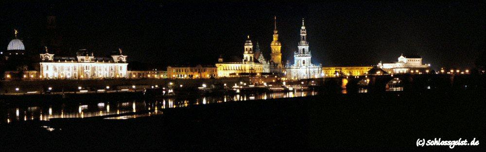 Blick auf Dresden bei Nacht (...ein Versuch)
