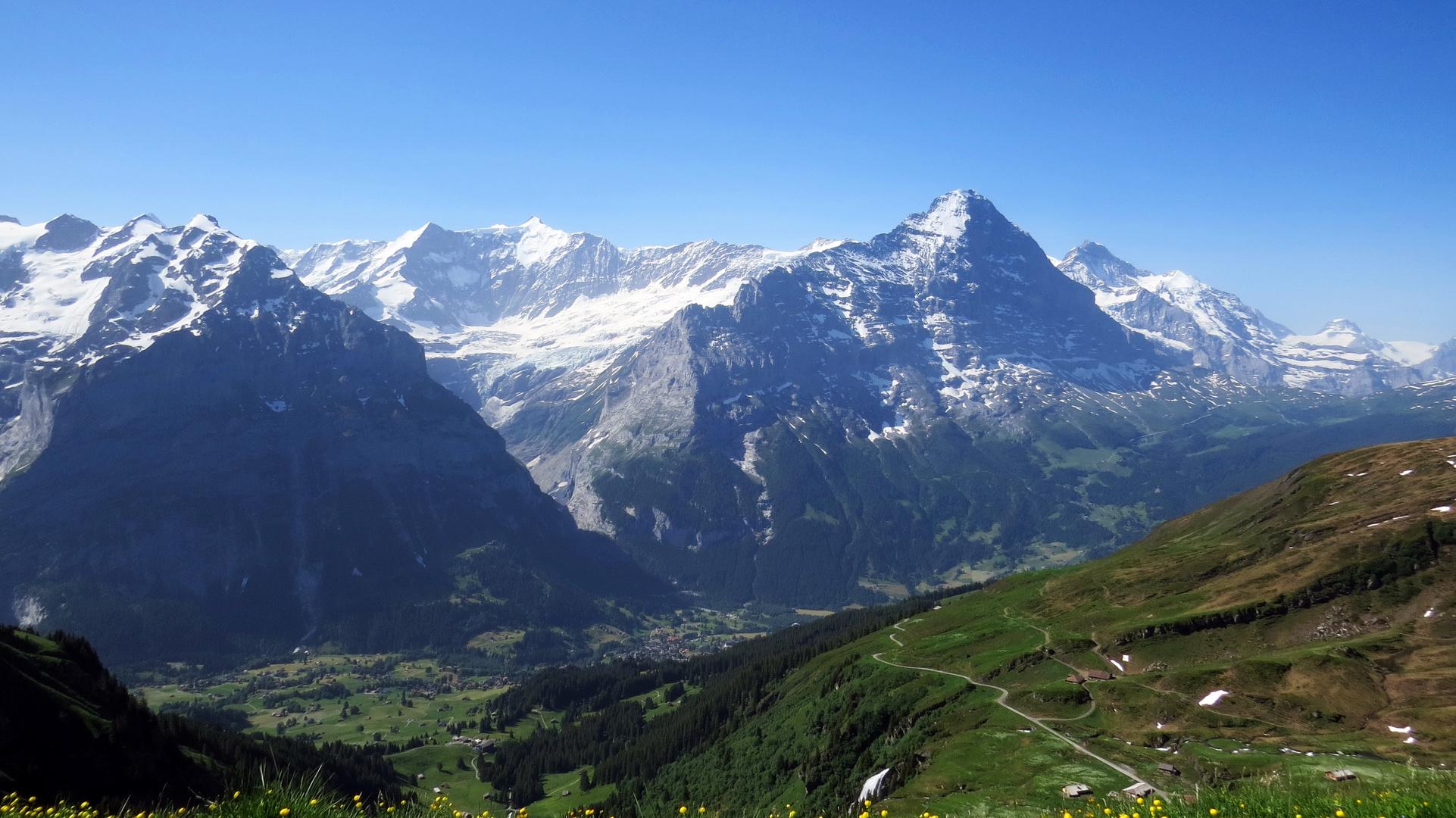 Blick auf Grindelwald und Eiger