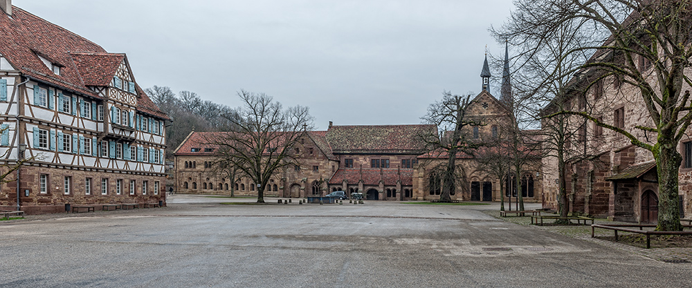 Blick auf Kloster Maulbronn