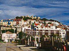Blick auf Lisboa und das Castelo de Sao Jorge