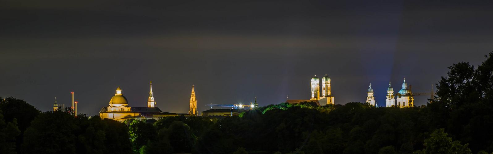 Blick auf München vom Monopterus aus