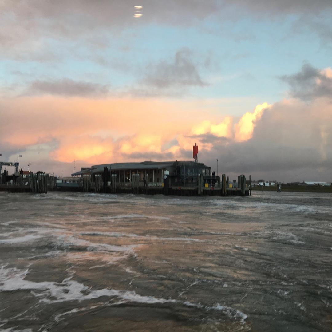 Blick auf Norderney   um 8.41Uhr