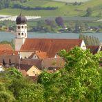 Blick auf Öhningen und das Kloster