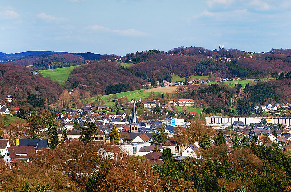 blick auf overath im bergischen land foto bild deutschland europe nordrhein westfalen. Black Bedroom Furniture Sets. Home Design Ideas