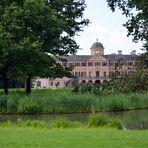Blick auf Schloss Favorite