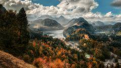 Blick auf Schloß Hohenschwangau und den Alpsee
