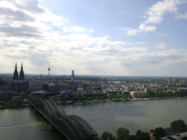 ...Blick auf - über Köln