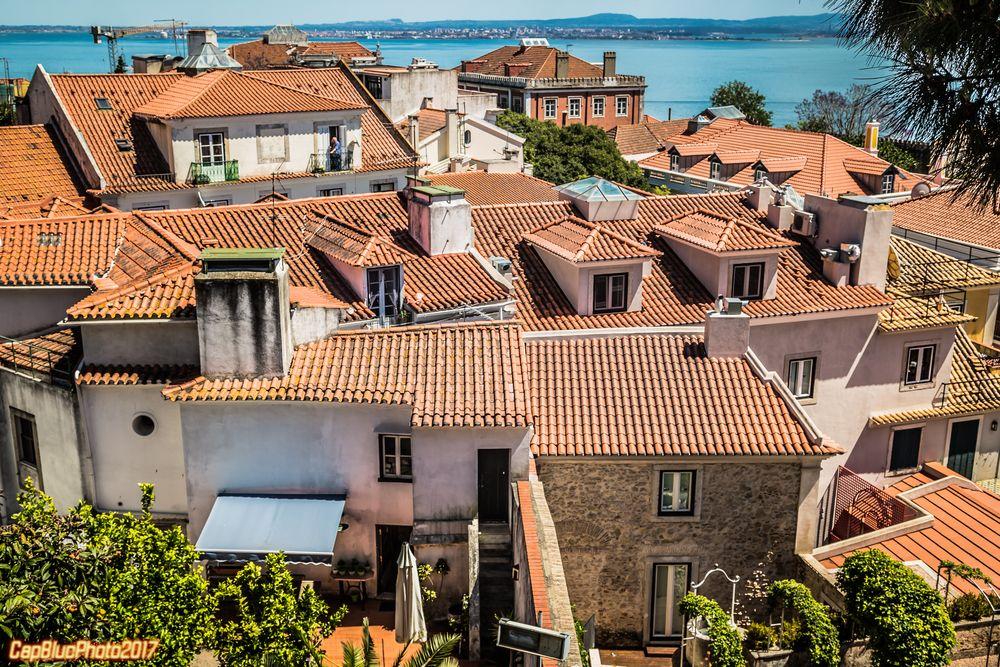 Blick aufs Häusermeer vom Castelo Sao Jorge Lisboa
