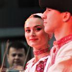BLICK beim Tanz ca-21-13-34-col +9Fotos