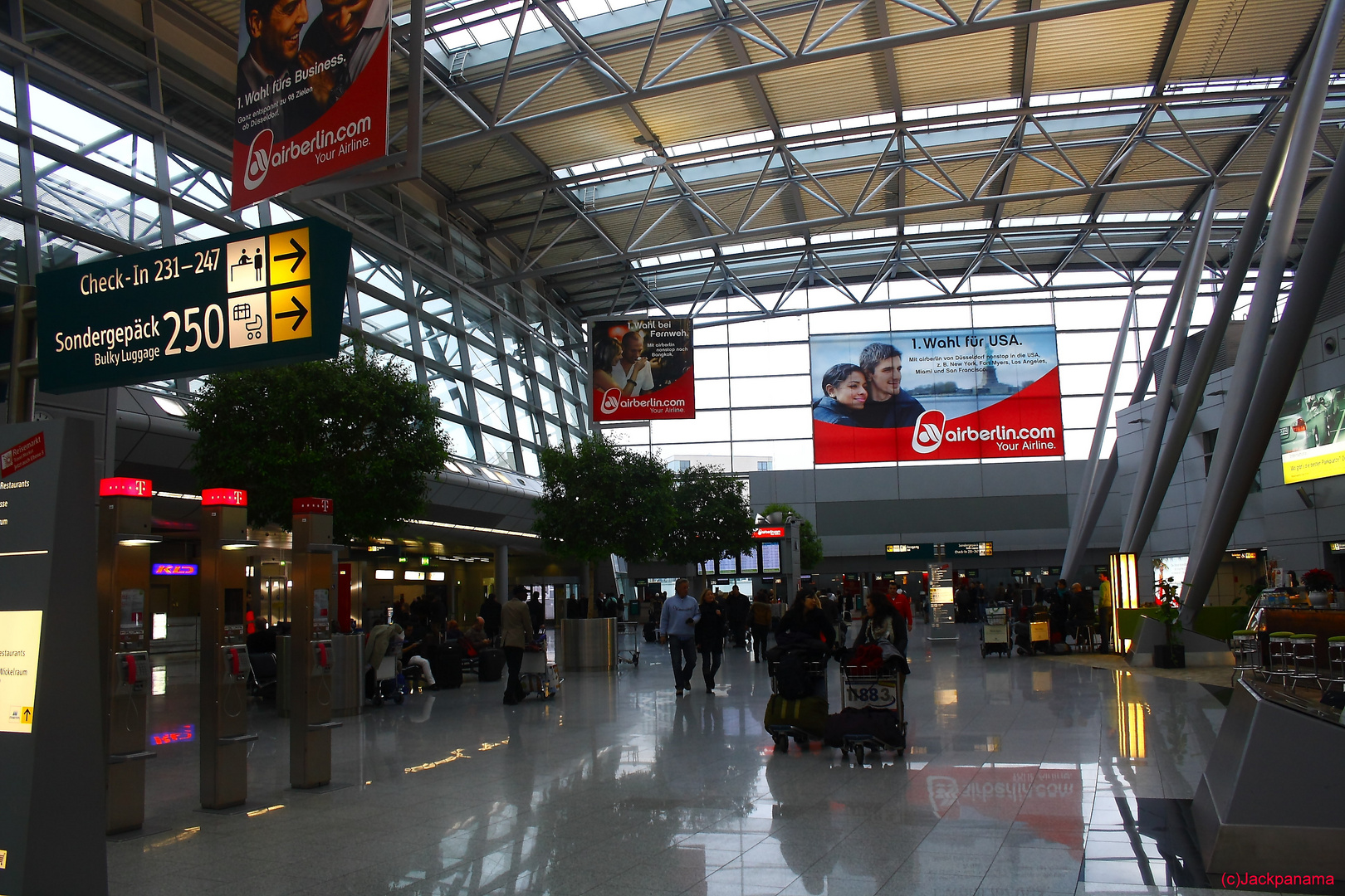 Flughafen Düsseldorf Facebook