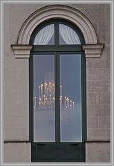 Blick in die Fenster der Oper